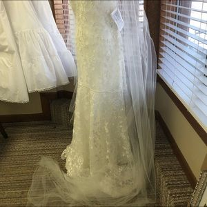 Alfred Angelo size 10 lace overlay wedding dress